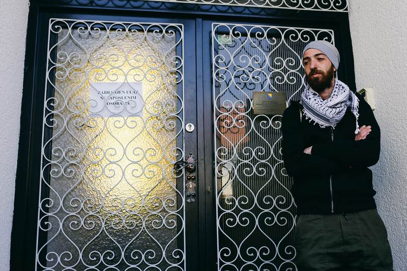 Ahmad (Syria) waiting at the door of Bosnia and Herzegovina embassy.