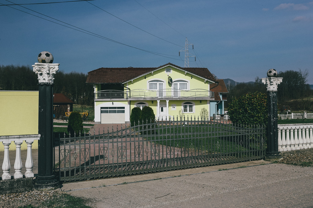 We have passed many rebuilded houses on the way to Kozarac.