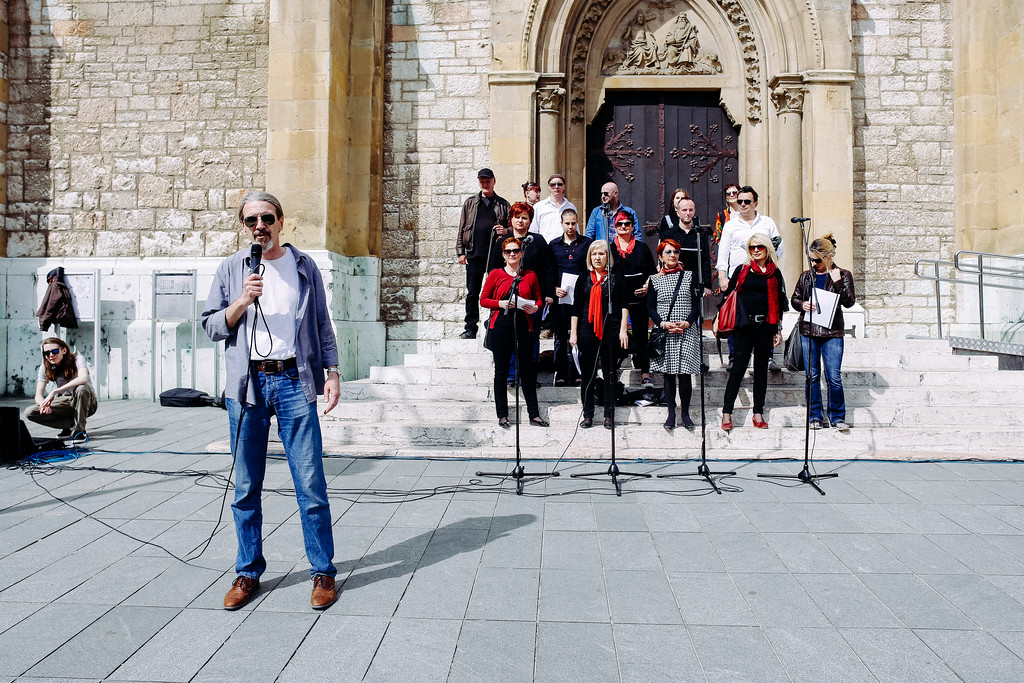 The premiere of a peace promoting song, in front of the Sarajevo's cathedral.