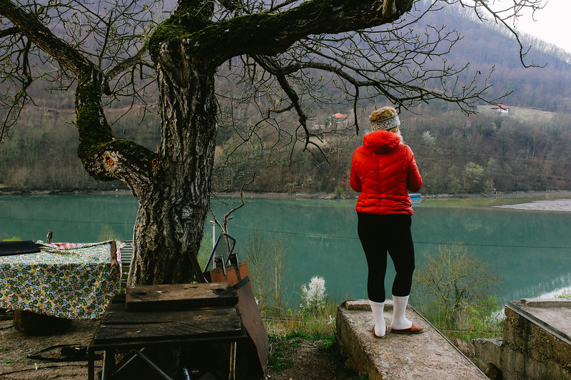 Olga, supporting the march from its very beginning came for a couple of days to march. Enjoying morning coffee while watching the Drina river.