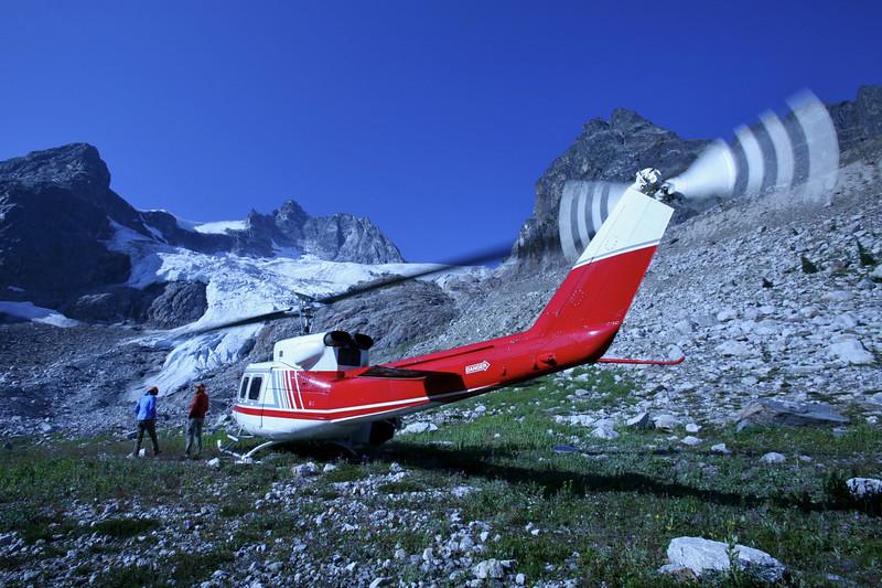 Heli drop off under Granite Glacier in the Hatteras.