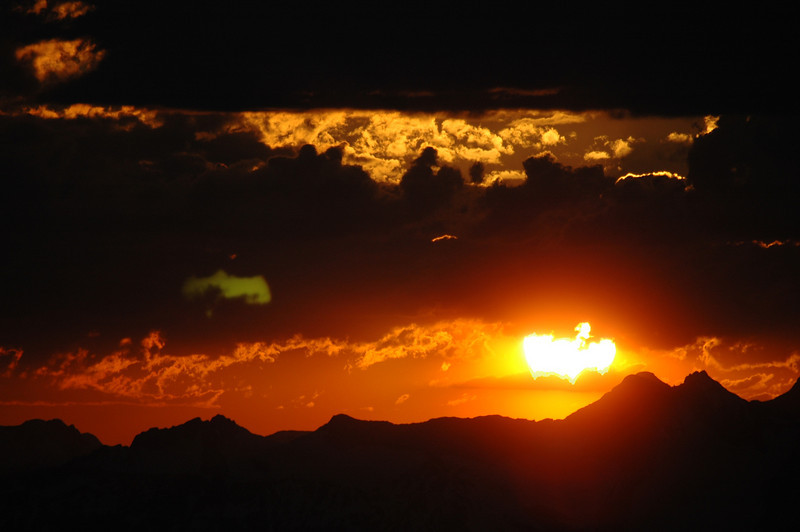 """Sunset from the top of """"Vertigo"""", one of the highest hiking destination in the Bobbie Burns"""