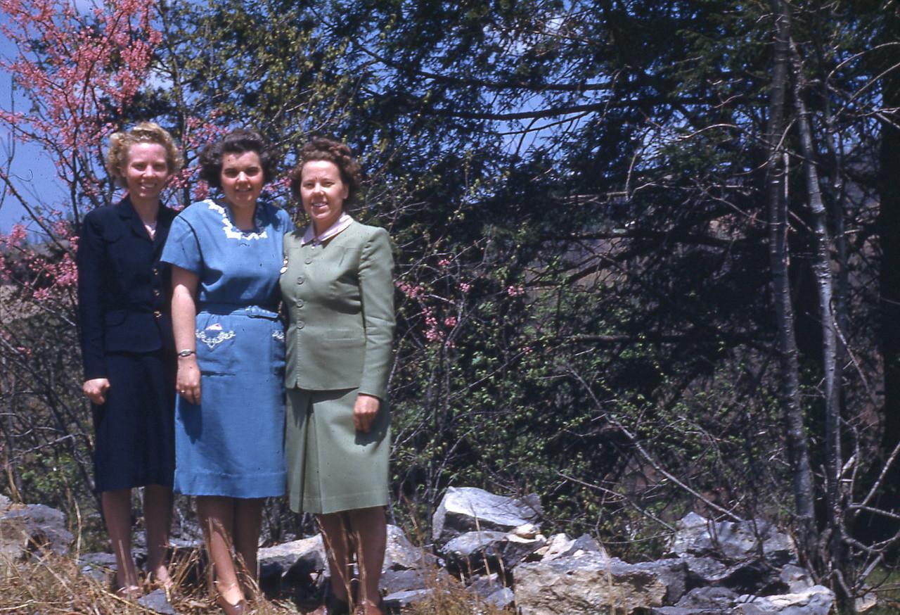 1947 - Gladys, Winnie, and Naomi