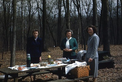 1952 - Picnic on way to Berea