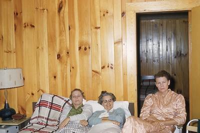 1957 Gallingury Naomi, Winnie, Zelma