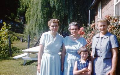 1959 - Marian L, Sally Coomer, Winnie, Marian B