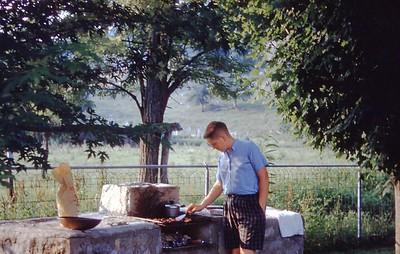 1960 - Bob Banner frying Hamburger