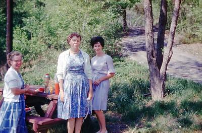 1963 - Ada, Selma, Naomi