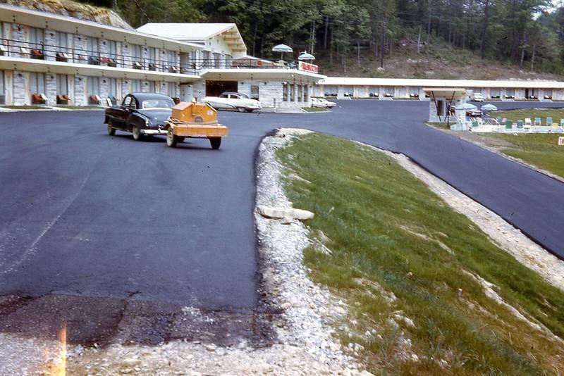 1965 - Motel Near Cumberland Falls