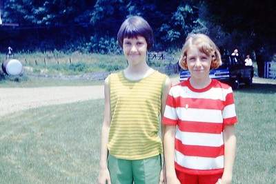 1967 - Mary Lee & Susan A - SS Picnic