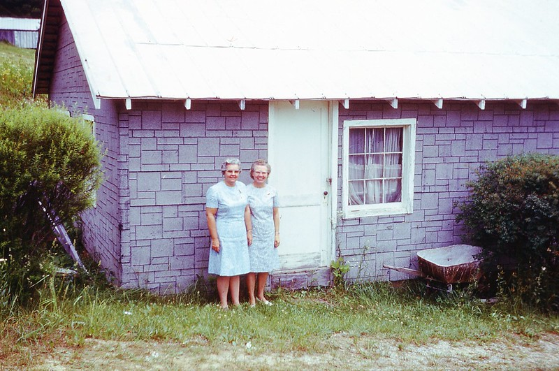 1969 - Winnie & Naomi - Used Clothes Room