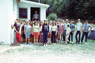 1970 WVS Group photo in front of dining hall