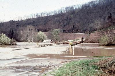 1977-''FLOODING 3''