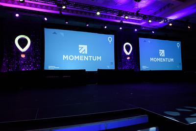 Momentum2016-7510969