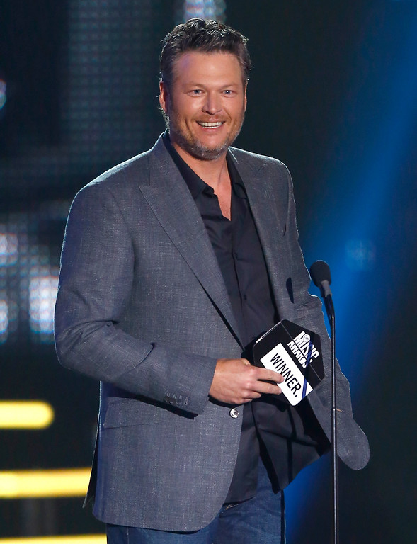 . Blake Shelton presents the award for CMT social superstar of the year at the CMT Music Awards at Music City Center on Wednesday, June 7, 2017, in Nashville, Tenn. (Photo by Wade Payne/Invision/AP)