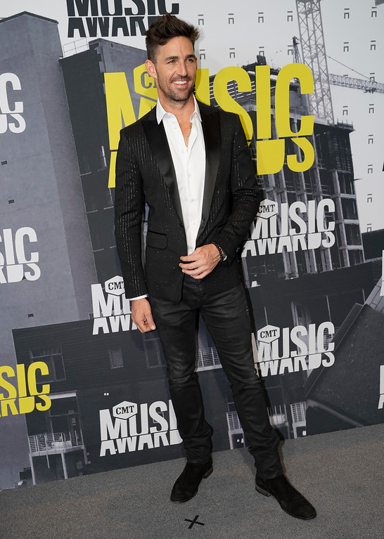. Jake Owen arrives at the CMT Music Awards at Music City Center on Wednesday, June 7, 2017, in Nashville, Tenn. (Photo by Sanford Myers/Invision/AP)