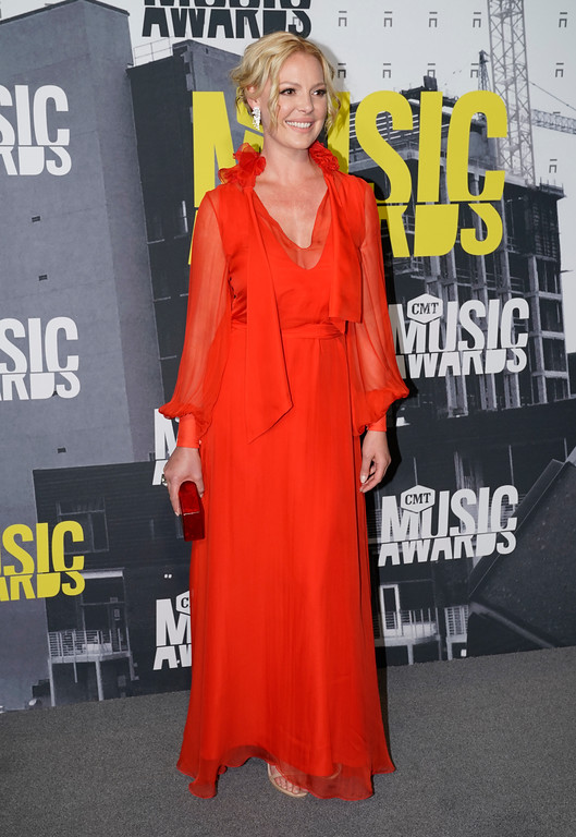 . Katherine Heigl arrives at the CMT Music Awards at Music City Center on Wednesday, June 7, 2017, in Nashville, Tenn. (Photo by Sanford Myers/Invision/AP)