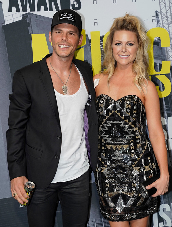 . Granger Smith, left, and Amber Bartlett Smith arrive at the CMT Music Awards at Music City Center on Wednesday, June 7, 2017, in Nashville, Tenn. (Photo by Sanford Myers/Invision/AP)