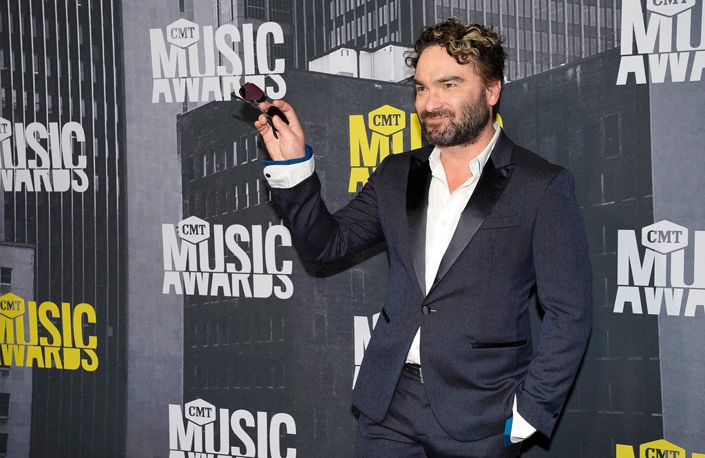 . Johnny Galecki arrives at the CMT Music Awards at Music City Center on Wednesday, June 7, 2017, in Nashville, Tenn. (Photo by Sanford Myers/Invision/AP)