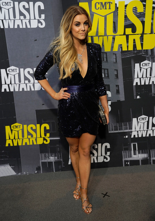 . Lindsay Ell arrives at the CMT Music Awards at Music City Center on Wednesday, June 7, 2017, in Nashville, Tenn. (Photo by Sanford Myers/Invision/AP)