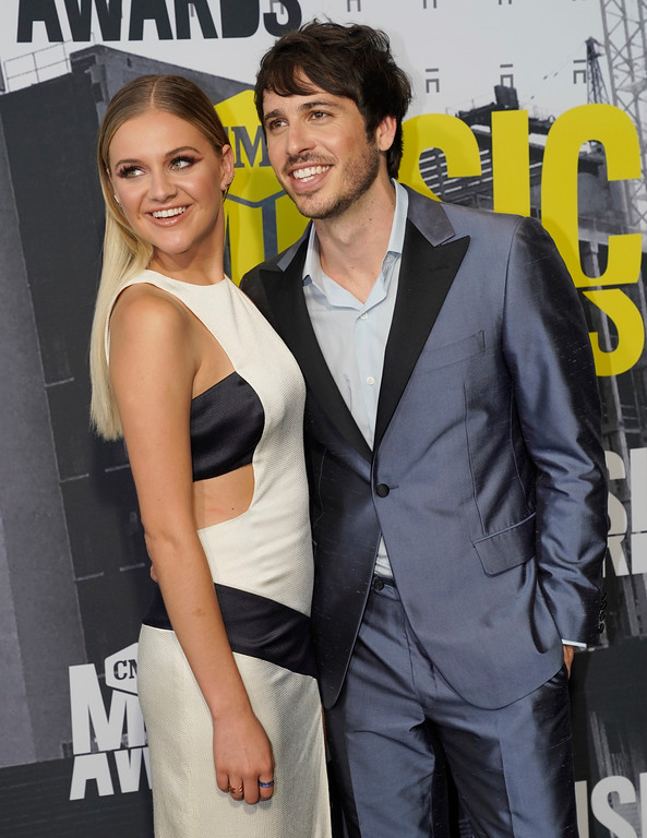 . Kelsea Ballerini, left, and Morgan Evans arrive at the CMT Music Awards at Music City Center on Wednesday, June 7, 2017, in Nashville, Tenn. (Photo by Sanford Myers/Invision/AP)