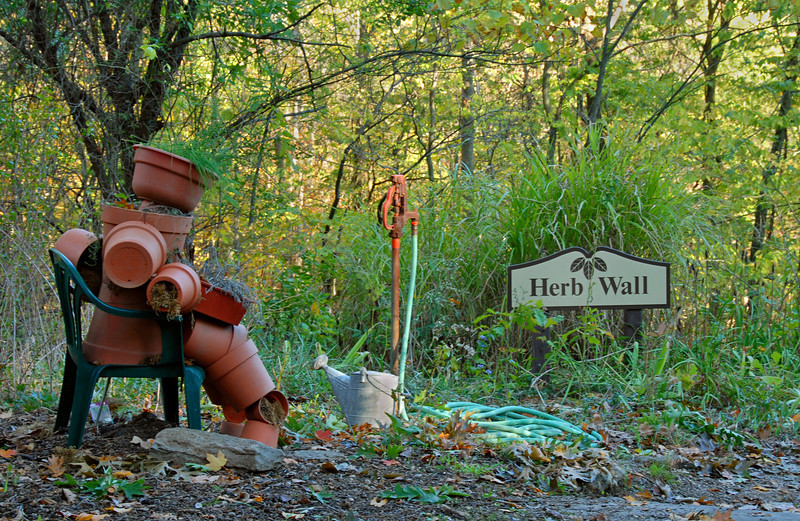 Herb Wall Pot Person