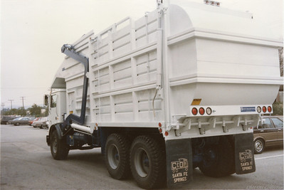 "1985 Mack MR ""Mid Weight"" Partial Pack Front Loader"