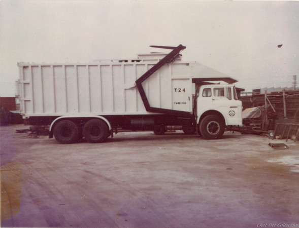 Midway City Ford Full Pack Front Loader