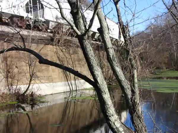 Video_Passing CSX freight cars relflected in C&O Canal
