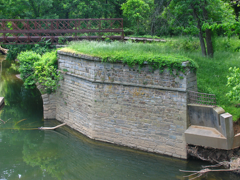 23 4  Cactoctin Creek Aqueduct upstream wing wall_small portion of arch remains