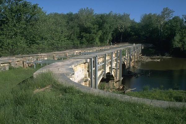 17 Monocacy Aqueduct before restoration