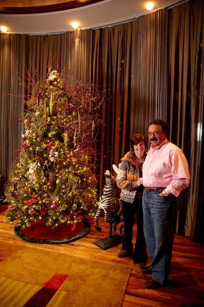 Minneapolis, GA -COI Design - Tableand Christmas Tree here today, Friday November 13, 2009. Date: Friday November 13, 2009 Photo by © GMG/Todd Buchanan 2009 Technical Questions: todd@toddbuchanan.com; Phone: 612-226-5154.