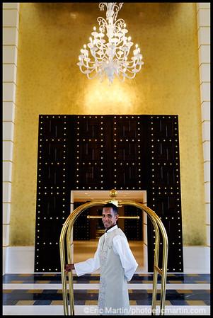 EGYPTE. ASSOUAN. HOTEL OLD CATARACT SOFITEL LEGENDE. LA NOUVELLE RÉCEPTION DE L AILE NIL CONÇUE PAR L'ARCHITECTE D'INTERIEUR SYBILLE DE MARJORIE.