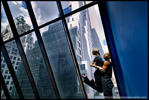 NEW YORK LA VILLE QUI NE DORT JAMAIS. 24 HEURES EN 24 PORTRAITS. LA DANSEUSE KIMBERLY BARTOSIK RÉPÈTE DANS LA SKYROOM DE L'ALLIANCE FRANÇAISE DE MANHATTAN