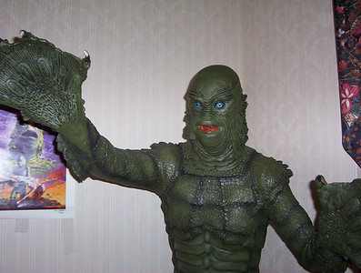 2003 Creature from the Black Lagoon Statue at Cherry Hill, NJ Horror Con