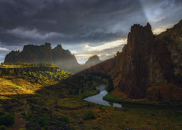 God Rays at Smith Rock, Oregon