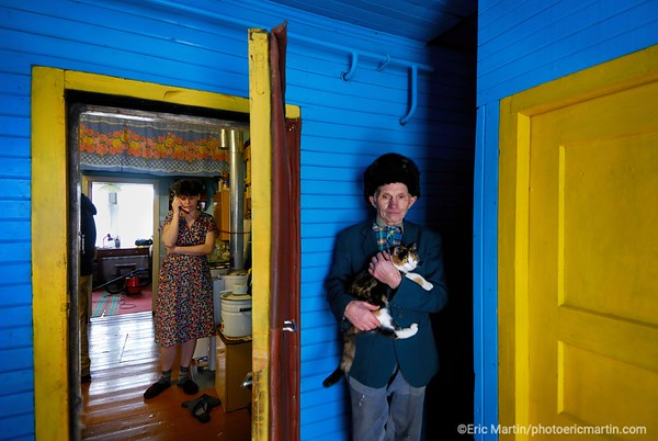 Russie Basile Phalevski, sa fille Svetlana et le chat, dans leur isba à Veliki Oustioug.
