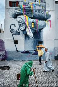 MAROC CASABLANCA Dans la medina création et tradition se côtoient au quotidien et révèlent le caractère si particulier de la ville blanche.