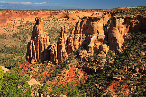 CO COLORADO NATIONAL MONUMENT GRAND VIEW KISSING COUPLE SEPTJG_MG_7449SSW