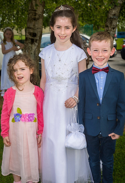 EEEjob 27/05/2017 First Communion at Christ of our Light Church, Ballincollig . Pictured,  Katie Sexton from Ballincollig after receiving her first communion at Christ of Our Light Church, Ballincollig on Saturday also pictured Ava and Eoin Sexton.  Picture: Andy Jay