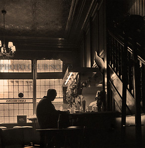MONOCHROME DIGITAL - ADVANCED - GOLD - LONDON PUB LUNCH - ROBERT PRICE