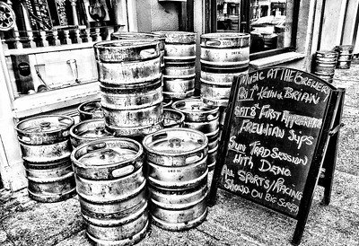 PRINT-MONO-ADVANCED-GOLD-KEGS OF BEER-PAT JONES