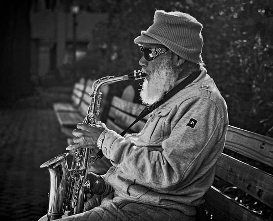 PRINT-MONO-ADVANCED-GOLD-SAVANNAH SAX MAN-BRUNO GRAZIANO
