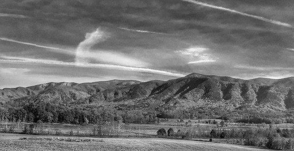 PRINT-MONO-SILVER-SMOKY MOUNTAIN TRAILS-ROBERT MILLER