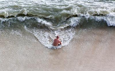 Man versus Ocean