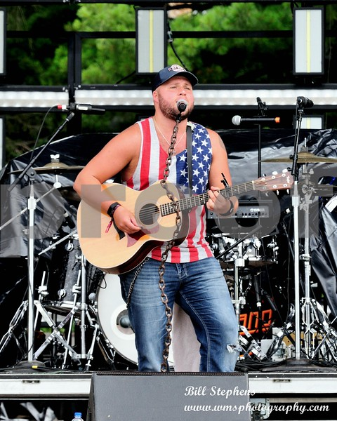 MICHAEL KEYS 95.5 WINNER @ COUNTRY THUNDER 2018 DAY 1