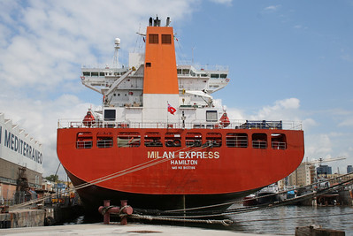 2008 - M/S MILAN EXPRESS docked in Napoli for works.