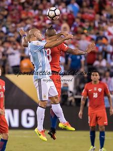 Javier Mascherano, Arturo Vidal