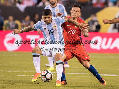 Ever Banega, Charles Aranguiz