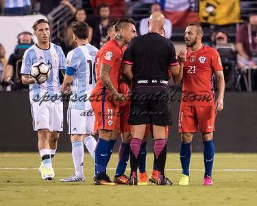 Arbitro Lopes, Eduardo Vargas, Marcelo Diaz
